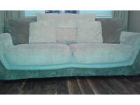 3 seeter sofa in cream/brown