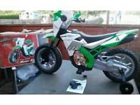 ROADSTERZ BATTERY OPERATED MOTOR BIKE