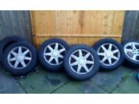 Set of 4 15 inch alloys wheels with tyers