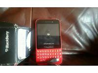 Blackberry q5 in good condition unlocked to any network