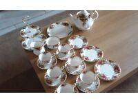 Royal Doulton 'Old Country Roses' 6 Piece Tea Set