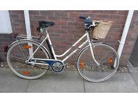 Ladies Vintage Retro Hercules Hizeo Step Through Dutch Hybrid City Town Bike Bicycle