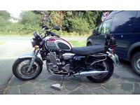Triumph Thunderbird 900 year 2000 six speed,