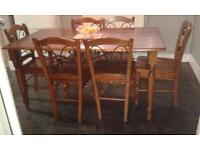 oak dinning room table,with six chairs