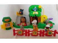 Fisher Price Little People Animal Sounds Zoo, With 8 Animal Figure and Zoo Keeper Figure