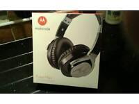 Motorola pulse max headphones (unopened ).