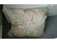 Giant cushion