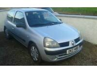 05 clio 1.2 8v years mot low miles