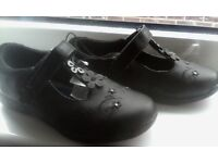 girls new size 12 black shoes