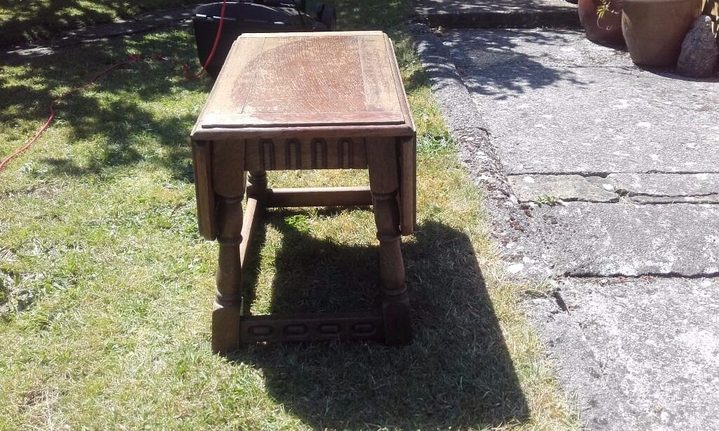 Drop leaf small occasional table