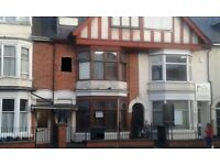 CITY CENTER..DOUBLE ROOM £325PM/£150DEP ALL IN EAST PARK ROAD LE5 5HL..SUIT EMPLOYED TENANTS OVER 25