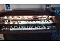 ELKA Organ. Twin keyboards. Many facilities. Lower keyboards needs some attention.