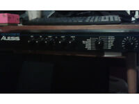 ALESIS MICROVERB 111. 16 bit Digital Reverb and Delay.
