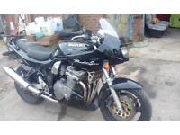 suzuki bandit 600cc in good condition nice bike