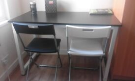 Desk perfectly new! Really functional! You can fit it in a small room!