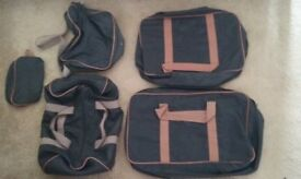 Travel bags (5 pieces )