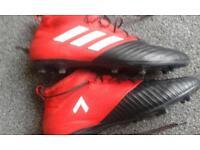 Adidas size 9 football boots