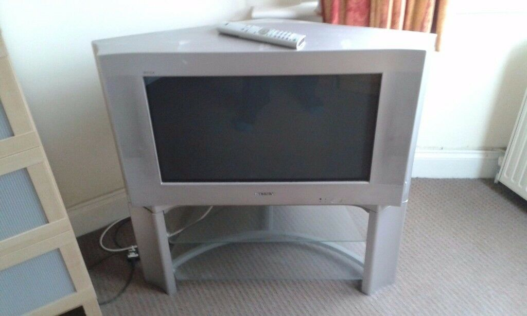 Sony tv 28 inch wide screen old crt box size tvs with scart