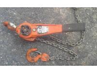 chain hoists ×2