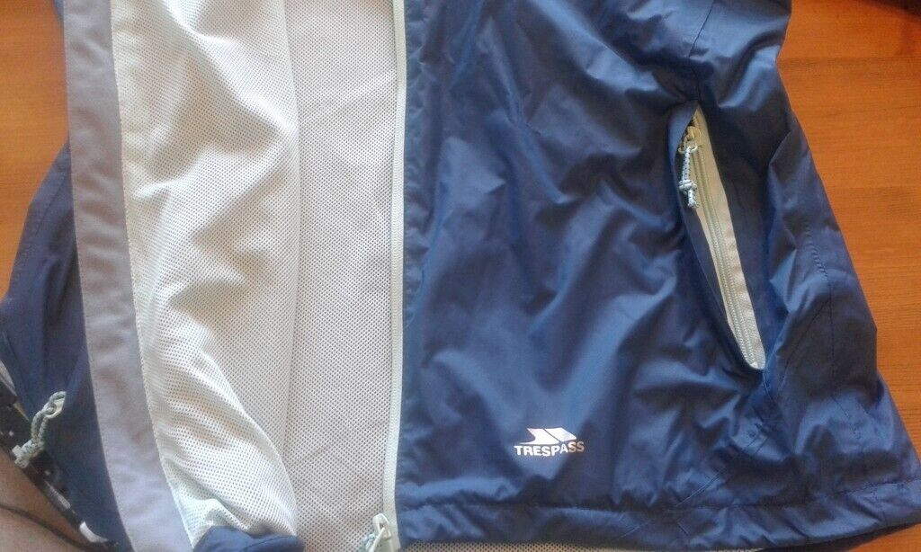 417785516e34 Ladies Size 12 Trespass Raincoat (Petrol blue   duck egg blue)