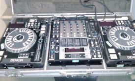 Denon DN-S5000 mixer and flight case