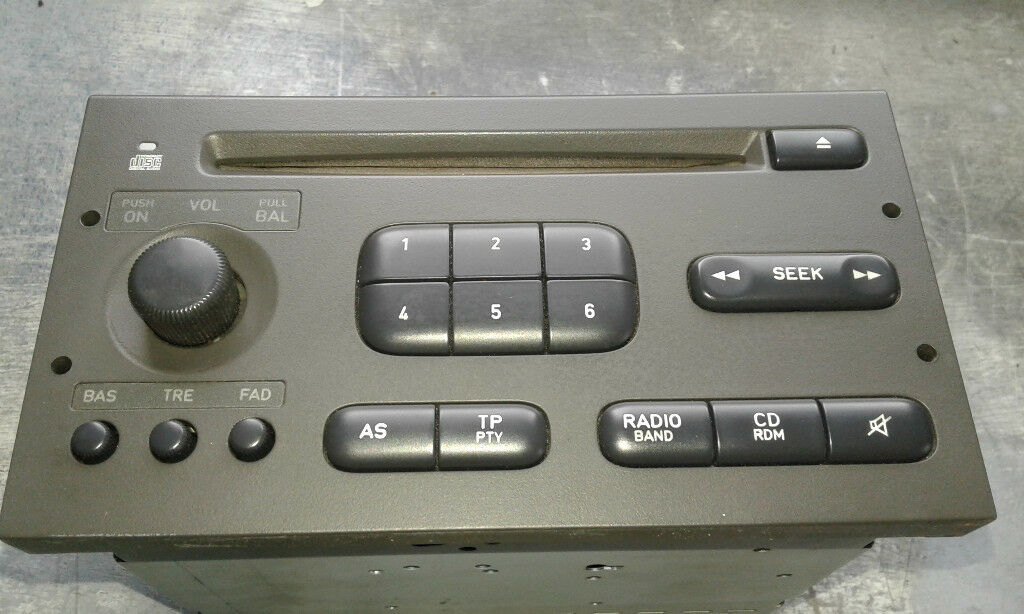 SAAB 9-3 RADIO/CD GOOD WORKING ORDER AND DIVORCED FROM CAR WITH TECH2!!! |  in Glasgow | Gumtree