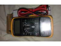 LCD Digital Multimeter Voltmeter (NEW)
