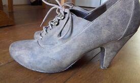 Size 7 New Look heels
