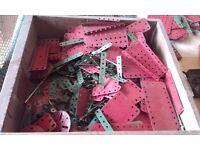 Meccano - good quanitiy of parts, lots of bits and manual (see photos) Vintage