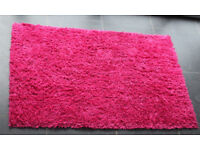 BRIGHT PINK NON-SHED SHAGGY RUG 110cm x 170cm