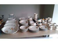 Cloverleaf peaches & cream dinnerware