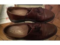 M and S Mens size 9 leather shoes