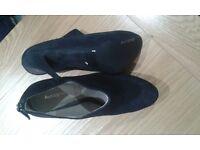 New Ladies Autograph Boot shoes