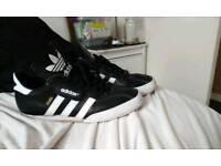 Size 8 Adidas samba
