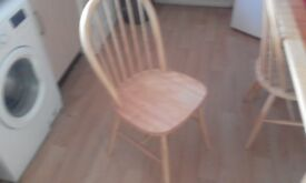 Kitchen table an chairs