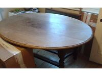 Attractive old oak oval-shaped table