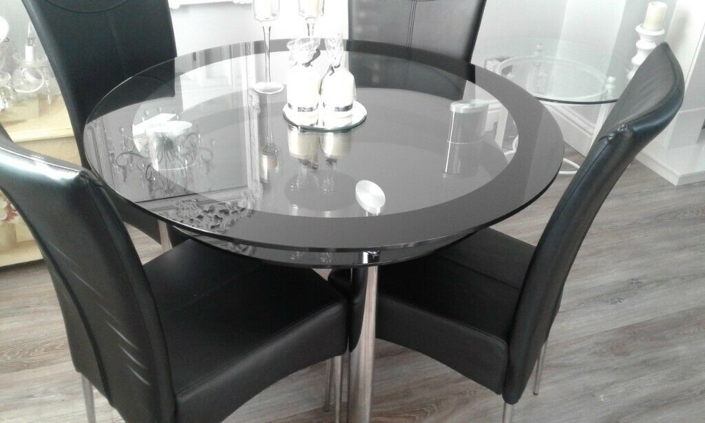 Glass Dining Table In Kilbirnie North Ayrshire Gumtree