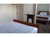 Superb large bright & airy double room - NON-SMOKING quiet, clean & spacious 4 bedroom shared house