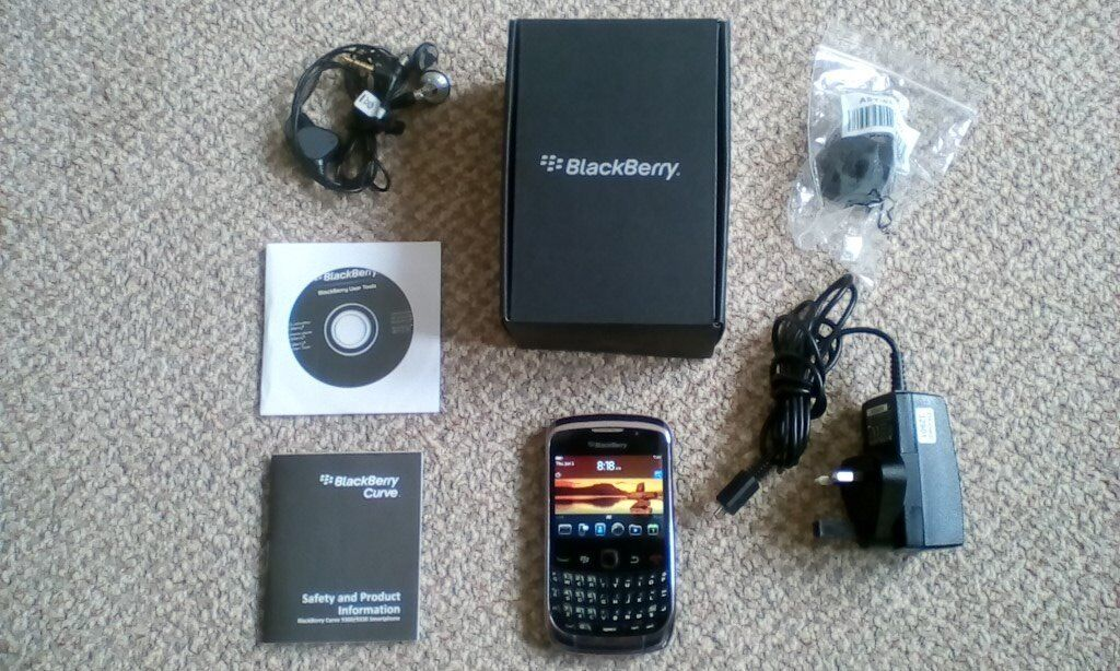 BLACKBERRY CURVE 9300 SMARTPHONE - UNLOCKED
