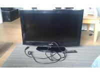 its a Samsung 32 inch TV with built in free view in very good condition looking for £90 ono remote