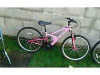 Mountain bike 24 inch wheels small adult or teenager
