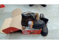 UK 11 COFRA Brand New Safety Boots brown/black