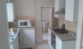 3 BED HOUSE QUEENS PARK