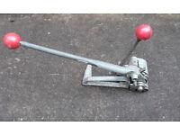 Steel pallet banding tensioner tool