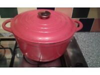 Linea cooking pot selling in excellent condition