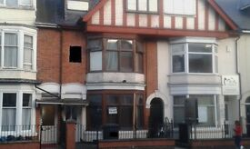 HOTEL STYLE DOUBLE ROOM £325PM ALL INC, £150DEPOSIT, MINI KITCHEN AND TV INC, EAST PARK ROAD LE55HL