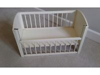 Vintage dollies cot and wardrobe