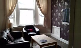 Immaculate 1 bed flat close to town centre