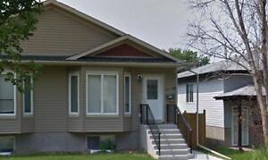 12126 122 ST - This Main floor home sparkles like a GEM!! Edmonton Edmonton Area image 1