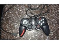 Saitek P2600: Dual Action Gamepad (PC)